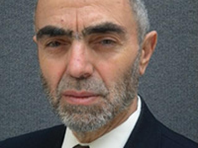 Dr. Noureddine Krichene